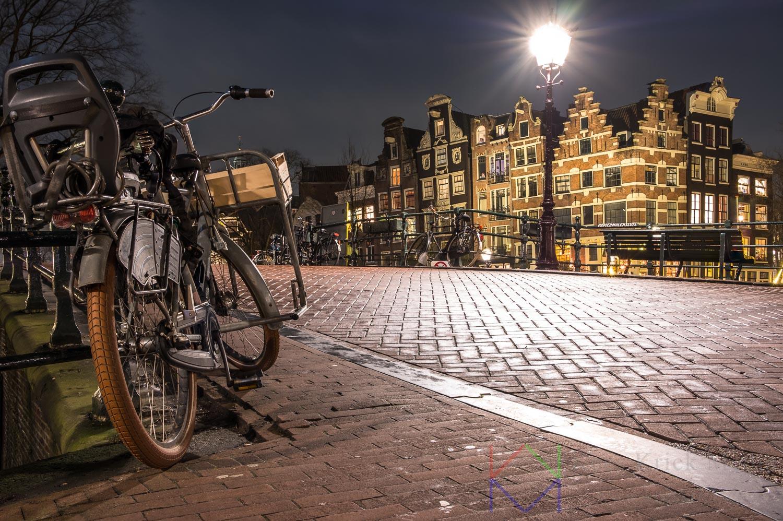 Amsterdam Prinsengracht en Brouwersgracht met fiets.