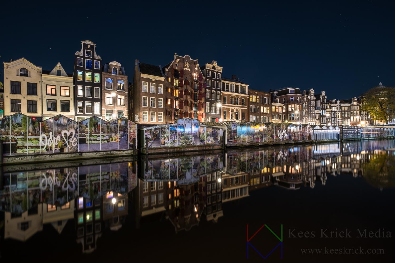 Amsterdam Singel met Bloemenmarkt.