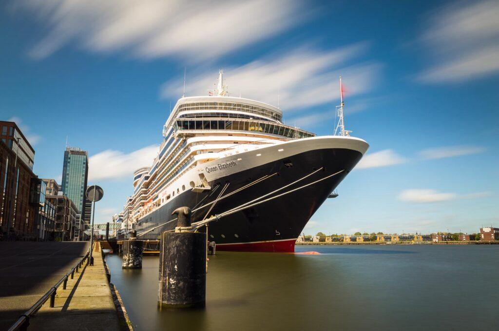 Ricoh GR Amsterdam Cruiseschip ND