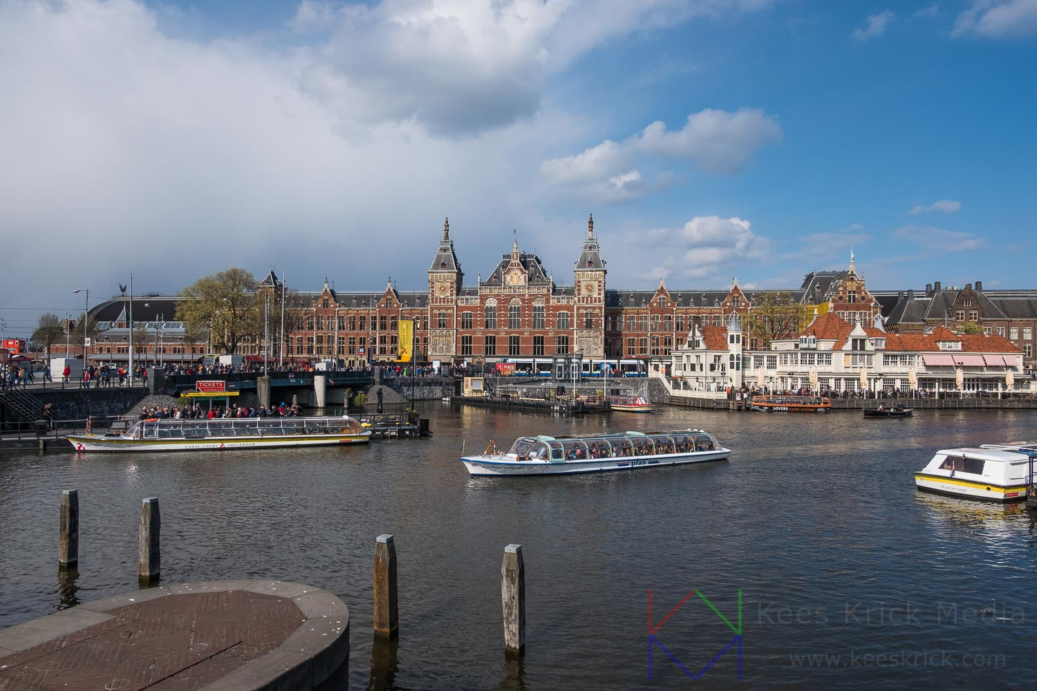 Amsterdam Centraal Station Rondvaartboot
