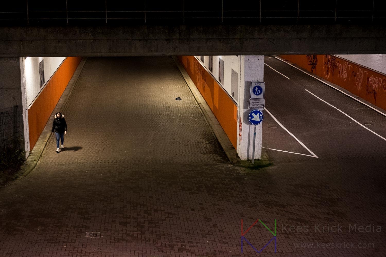 Amsterdam - Wandelen onder de brug - Piet Heinkade